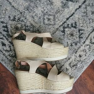 LUCKY BRAND open toe wedge size 7.5